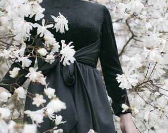 Black Gown Velvet Satin, Formal Black Tie Evening Dress Cocktail Gown Belted Long Sleeve Vintage Dress Black Wedding Prom - MED Size 6 8