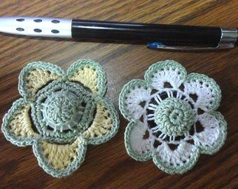 Button flowers #bf03 lot of 2 crochet appliques bouquet decoration adornment embellishment motifs wedding birthday