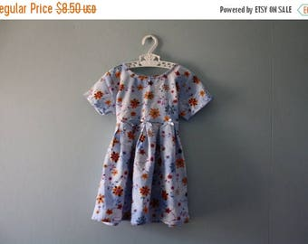 ON SALE Vintage floral print baby dress / baby blue spring dress / new old stock / Size 2 / 18 to 24 months