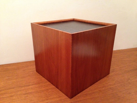 Vintage MCM Wood End Or Small Coffee Table Cubist Pedestal W