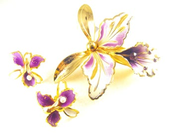 Orchid Flowers Brooch And Earrings Purple Enamel Over Gold Tone Metals Rhinestone Accents Vintage Figural Flowers