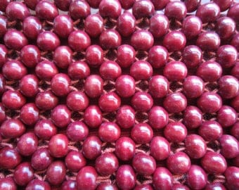 1960's cranberry wood bead clutch//made in Japan