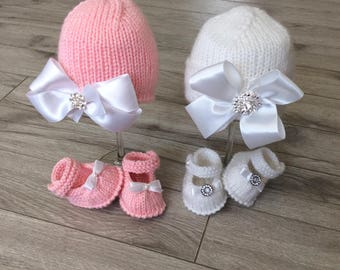 Hand knitted baby  Girl Hat,Knitted baby Booties,Neoborn Baby Photo prop,Knitted set, booties,hat,Knitted Newborn Hospital set