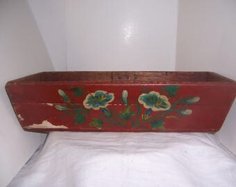 RED FLOWERED BOX