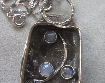 Silver Pendant with Calcedony  and Labradorite