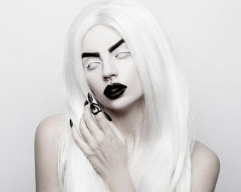 BLACK FRIDAY SALE - Potion of the Unseen Midi Ring in Black