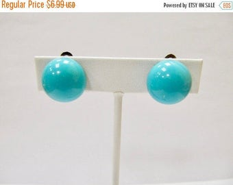 On Sale Vintage Aqua Dome Clip On Earrings Item K # 1031