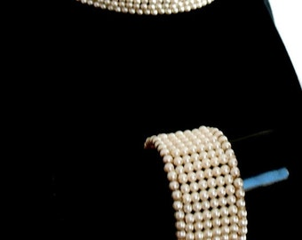 Store Closing Sale Vintage Pearl Necklace and Bracelet Memory Wire