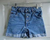 "Vintage 80s Light Wash Denim Shorts sz 26"" Waist"