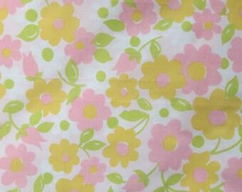 Vintage Sheet Fabric Fat Quarter - Pink and Orange Floral - 1 FQ