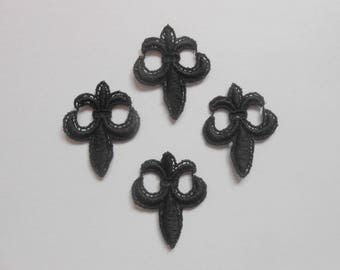 Set of 4 black lily flowers
