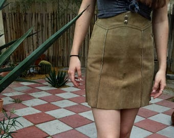 Extra small vintage suede skirt sturdy suede with Rusty buttons cowgirl rodeo