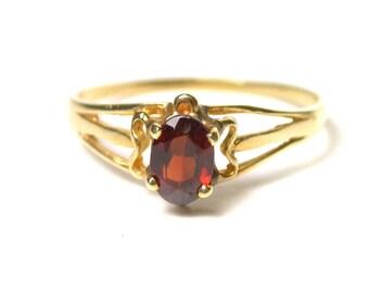 14K Yellow Gold Garnet Ring - Oval Garnet - Size 7 - Circa 1970's - January Birthstone - Weight 1.4 Grams # 1396