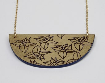 Floral Engraved Necklace