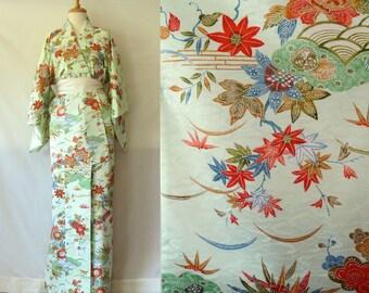 Vintage Kimono,Japanese Design, Handmade, Traditional Print, Housecoat, Japanese Robe, Dressing gown, Floral Print,  Linen Clothing