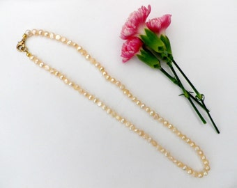 Cultured blister pearls, Mabe pearl necklace, pink tones, iridescent gems, gold tone clasp, 18 inches, vintage jewellery