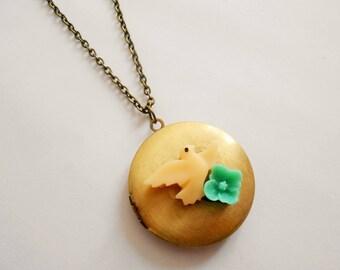Bird necklace - locket necklace - photo pendant necklace - bird charm - flower necklace - bird pendant - vintage necklace - locket pendant