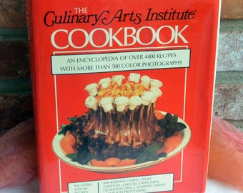 Culinary Arts Institute Cookbook, Hardcover - Famous Encyclopedia 4400 Recipes- Vintage - Fabulous!