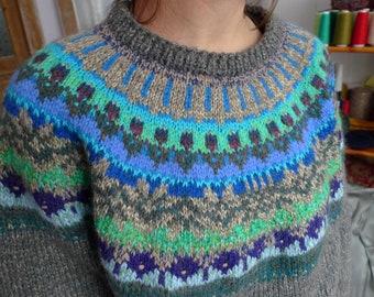 Handmade Icelandic style oversized wool sweater with bright pattern
