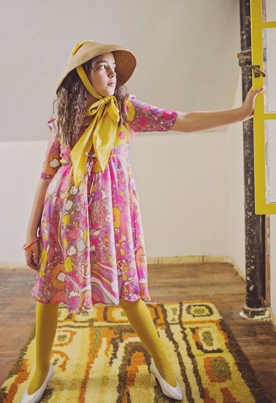 Mod 60s Pastel Spring Summer Pink Flower Vintage Girls Dress