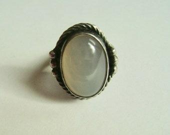 vintage sterling moonstone ring, size 6