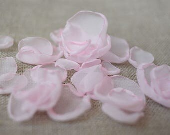 30 petals rose wedding petals pink petals wedding singed petals wedding decoration flower girl petals rose wedding toss wedding confetti
