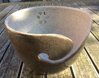 Yarn bowl, stoneware, with a matte smooth glaze