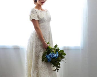 Sexy Spring Sale 25% off 1950's Stunning Creamy Dreamy Lace Wedding Dress Train under Bustle Edwardian Style designed by Edythe Vincent, Alf