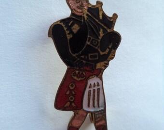 Vintage Signed Stratton Small Scottish Piper Brooch/Pin