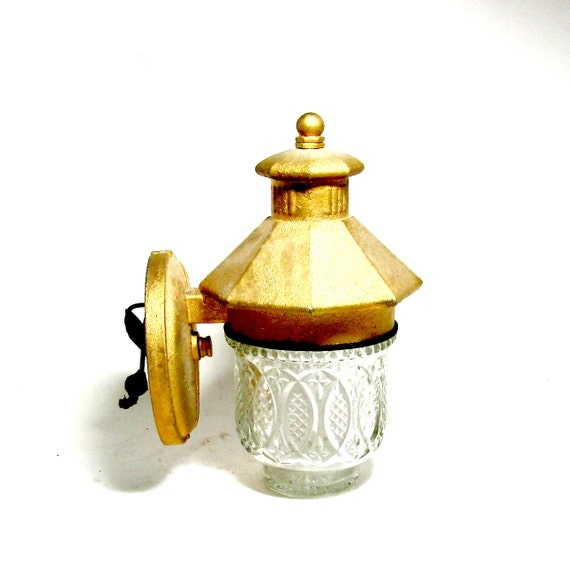 Vintage Porch Light, Wall Mount Porch Light, Cast Metal Porch Light, Wall Mount Lantern, Light Fixture, Globe LIght, Salvage