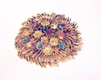 Granziano Vintage Couture Starburst Gold Tone Jeweled Brooch