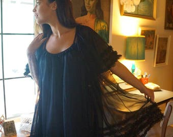 60s Black Nylon PEIGNOIR/Negligee.  Sheer.  Two Piece NIGHTWEAR.  Sza Sza Gabor Megan Draper Mad Men Babydoll.  Medium