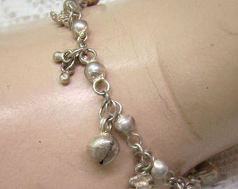 Vintage Ethnic Sterling Silver Bells and Teddy Bear Bracelet...Slight Tinkles....7 Inches Long...Weighs 8.21 Grams