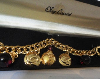 Vintage Oleg Cassini Bracelet, gold plated with hard case box