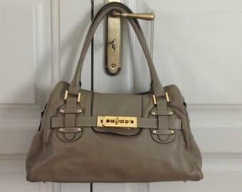 Original vintage SABATIER FRANCE PARIS gray leather  strap bag  bucket shape Collection luxury bag France Paris bucket bag Gold clasp