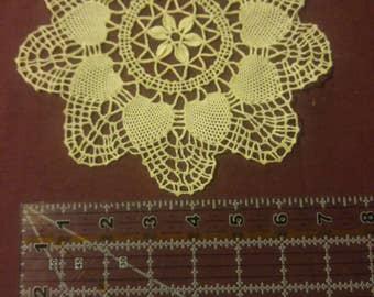 Beautiful and Delicate Vintage Doily 002