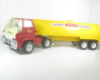Vintage tonka, TONKA Super Tanker Truck, Toy Truck, Red and Yellow Truck, vintage toy, metal and plastic truck,vintage truck,
