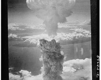 Bikini attol (in the Pacific ocean), Atomic Bomb Nuclear Bomb Test Photo