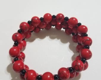 Red and Black Beaded Stretchy Bracelet