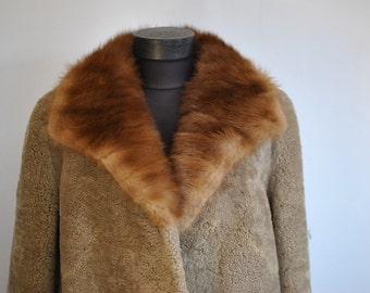 Vintage MOUTON FUR medium length with MINK fur collar .....(178)