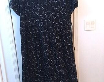 Vintage 80's Black Cotton Sheath Dress w/ White Flower Motif by CMI Size XL, Vintage Short Sleeved Long Midi Day Dress, Prairie Dress, USA