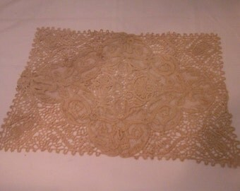 Vintage Crocheted Doily/Placemat