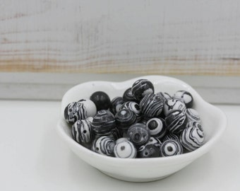 Black and White Fordite Beads-10mm