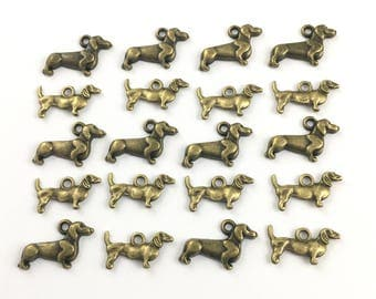 BULK! 20 dachshund  dog charms bronze tone ,12mm # CH 106