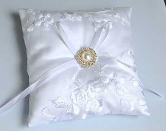 Wedding ring pillow, wedding pillow, bridal pillow, ring bearer pillow, wedding cushion, bridal cushion