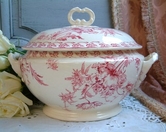 Antique french ironstone red transferware large tureen. French transferware Jeanne d'Arc living. Gustavian home. french shabby chic.