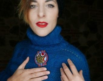 Vintage Wool Sweater turquoise blue braid 80 years