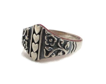 Hearts & Flowers Ring, Vintage Sterling Silver Scrolled Band Ring, Size 8