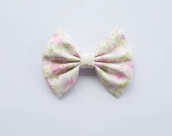 Pink Garden Bow on Clip