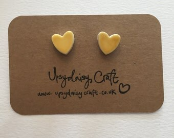 Ceramic heart stud earrings - Medium - Yellow